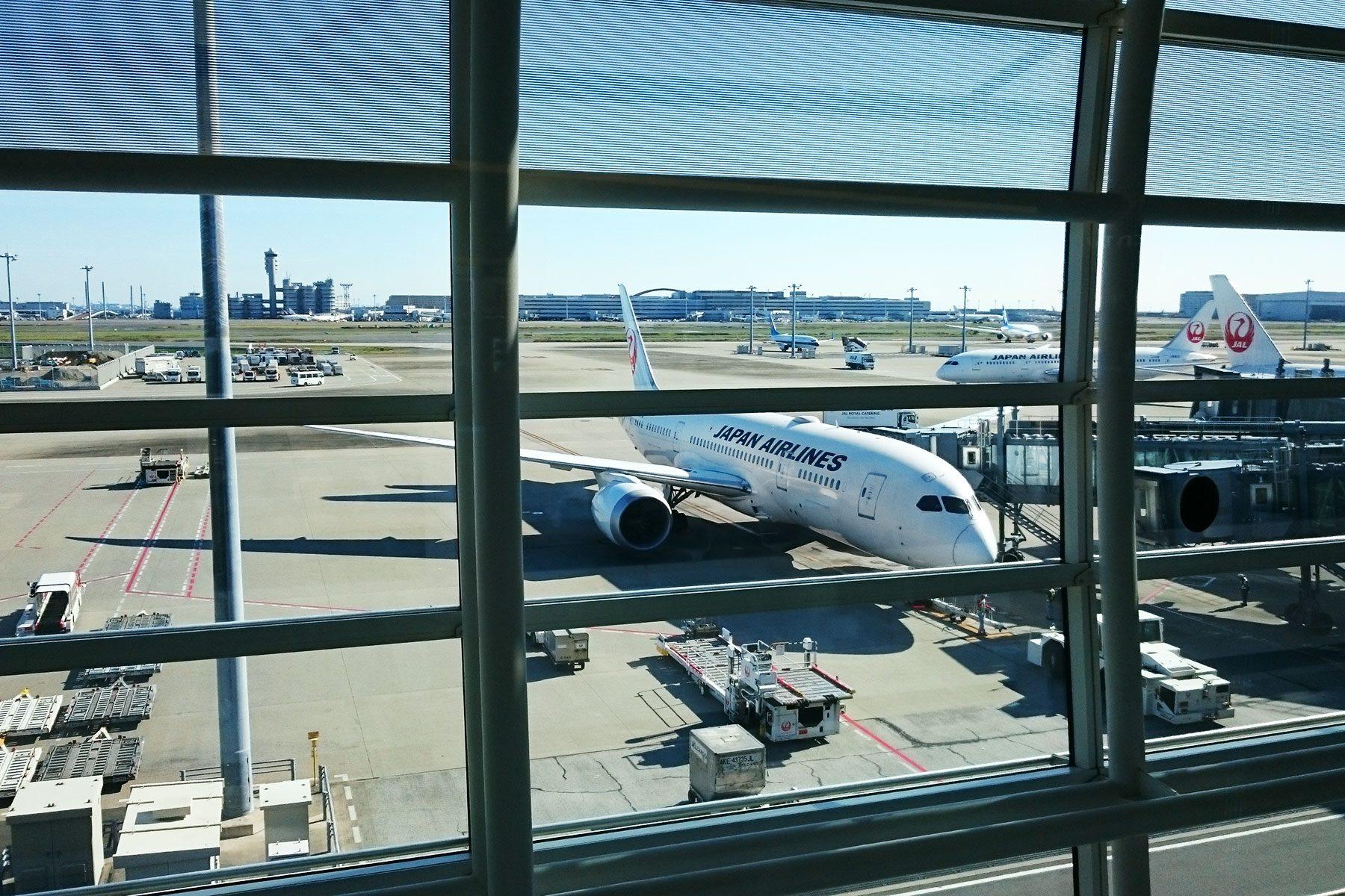 フランス行きの飛行機。